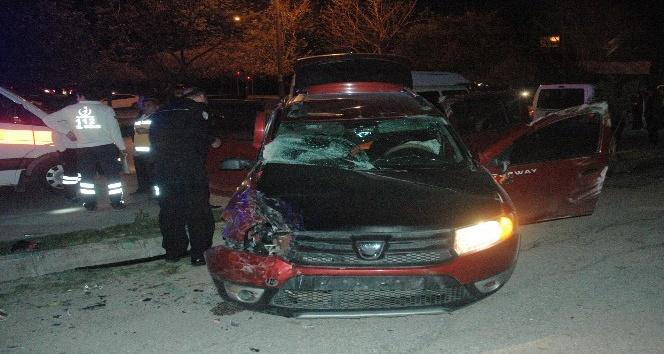 'Dur' ihtarına uymayan ehliyetsiz sürücü trafikte dehşet saçtı