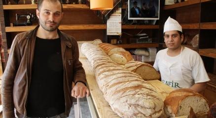 2,65 cm boyu olan 20 kiloluk 'balina ekmekler' görenleri şaşırtıyor|Kocaeli haberleri