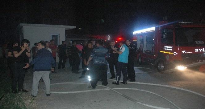 İtfaiye ekipleri can kurtarmaya gitti araçları soyuldu