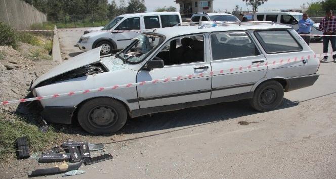 Kaza yaptı öldü, aracından kaçak sigara çıktı