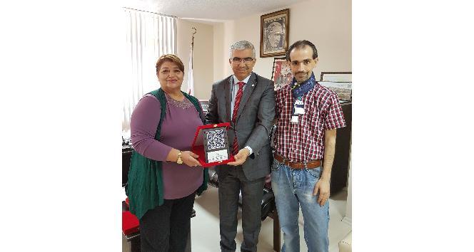 Kızılay'a 10 bin liralık gıda bağışı yaptı