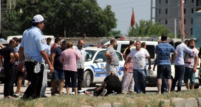 Adana'da kamyonet motosiklete çarptı: 1 ölü, 1 yaralı