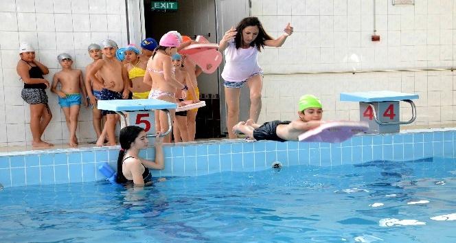 İl Spor Merkezleri Yüzme Kursları başladı
