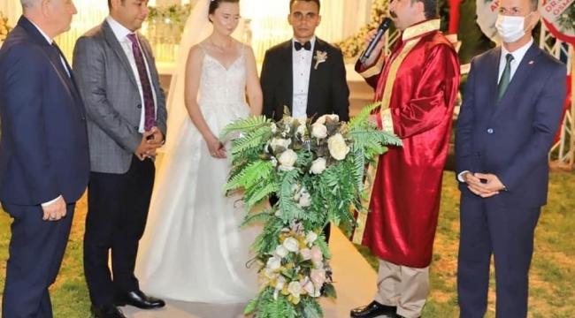 Sumbas Kaymakamı İdil Özdemir dünya evine girdi!