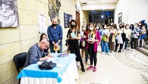 Seyhan'da Edebiyat ve Sanat Gençlerin Ayağına Götürüldü